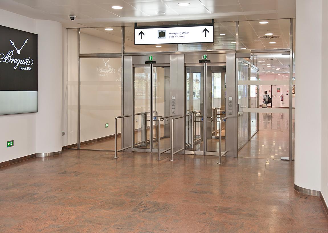 Geçiş Kontrollü Döner Kapılar ve Güvenlik Kabinleri